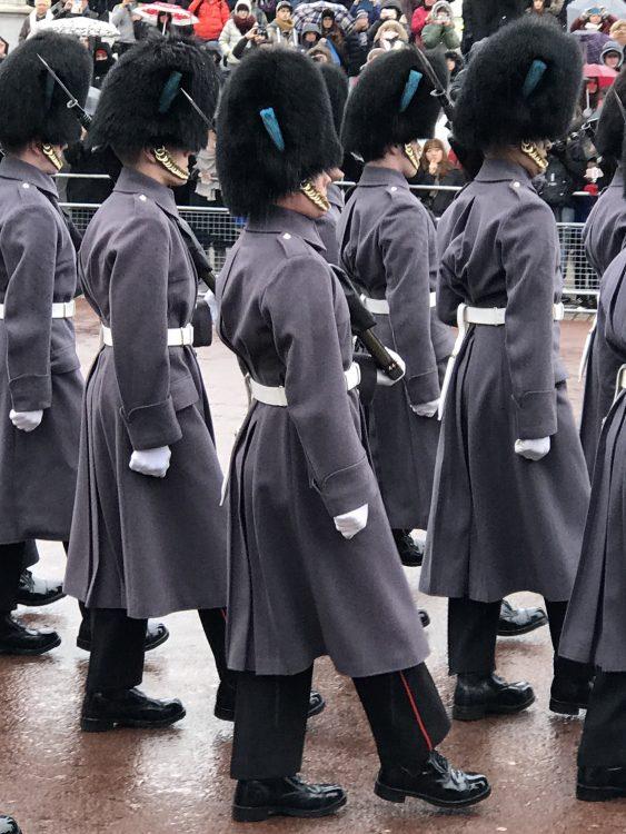 バッキンガム宮殿の衛兵の交代式も